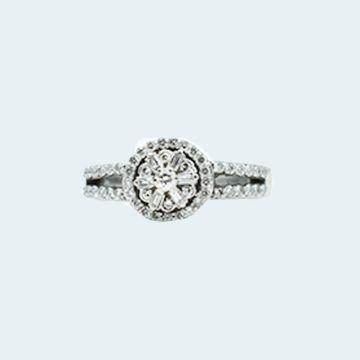Bague en or blanc avec fleur de diamants