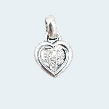 pendentif en forme de coeur et en or blanc