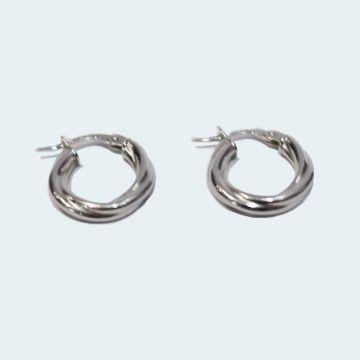 Boucles d'oreilles modernes en or blanc torsadé