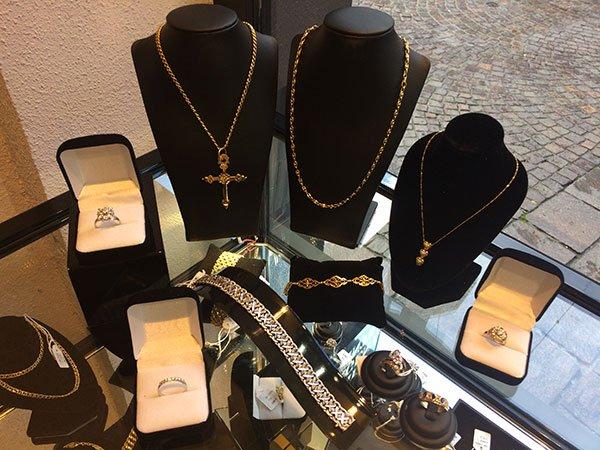 Nouveaut chez maison fran aise de l or vente bijoux chamb ry maison fran aise de l 39 or - Bureau de change grenoble ...